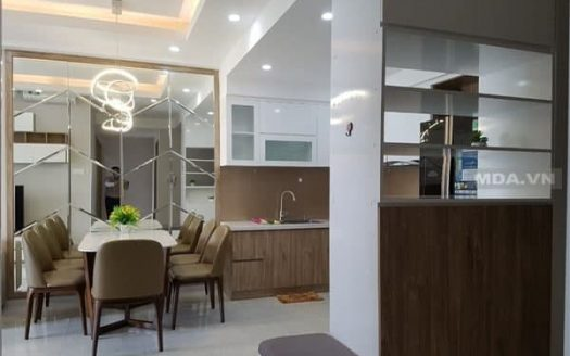 Apartment for rent in Sunrise City View dinner table 2